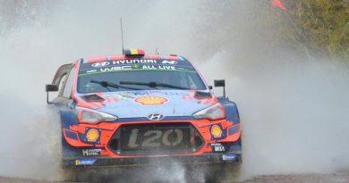 Neuville (Hyundai), continúa liderando el Rally de la Argentina. Tänak, lo persigue.